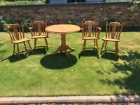 ROUND SOLID PINE TABLE + 4 CHAIRS