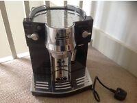 Great condition Delonghi coffee machine-