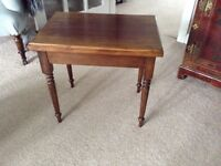Small lamp / occasional table