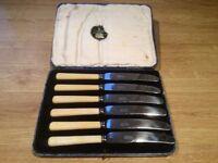 Boxed set of 6 cake knives