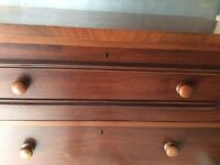 Mahagony chest of drawers