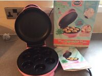 Electric mini cupcake maker