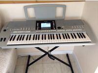 Yamaha PSR - S910 keyboard