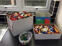 Massive job lot of Lego - total weight over 7.5kg including boards, Lego people