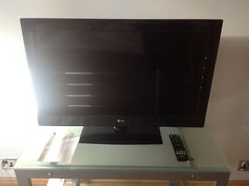 "32"" LG LCD TELEVISION With Remote"