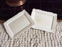 Modern serving plates