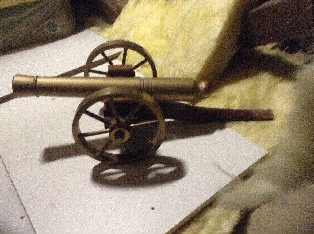 Brass model cannons