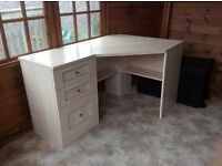 Corner desk and matching chest of drawers