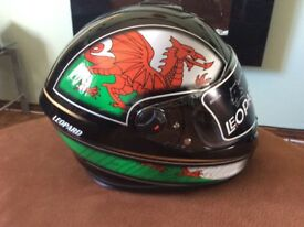 WALES WELSH LEOPARD MOTORBIKE CRASH HELMET XL 61/62cm