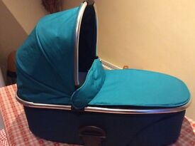 Mamas & Papas Urbo2 Carrycot in good condition
