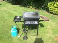 Gas BBQ with gas and cover