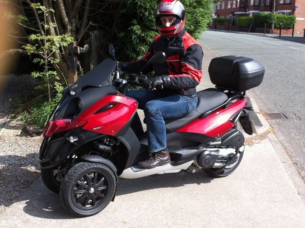 gilera fuoco 500cc 3 wheel scooter 8800 miles perfect conditions 2009 in sale manchester. Black Bedroom Furniture Sets. Home Design Ideas