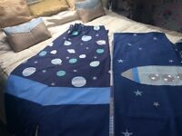 Curtain and quilt set