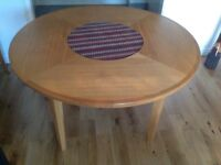 Multiyork Circular Oak Table
