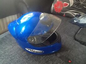 Motorbike crash helmet