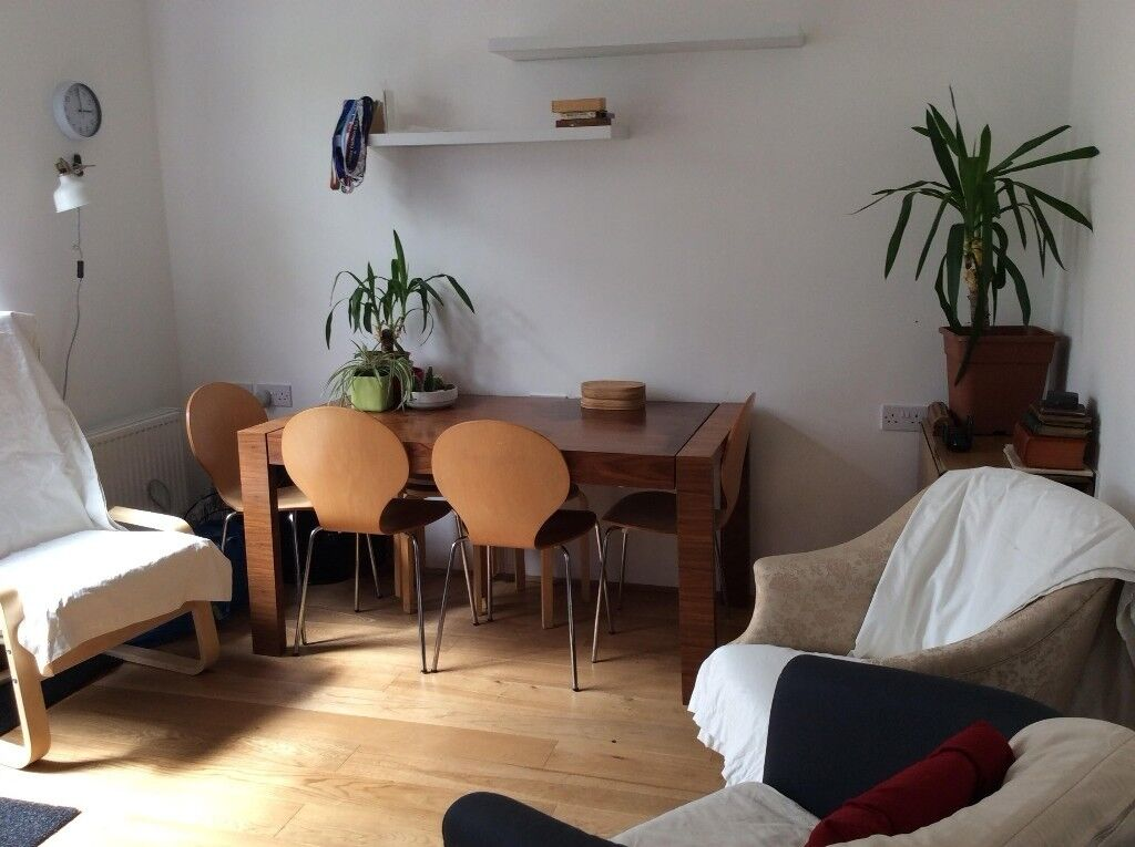 DOUBLE ROOM WITH EN-SUITE NEWHAM E12 £160 INCLUSIVE