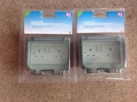 2 x Weatherproof twin sockets