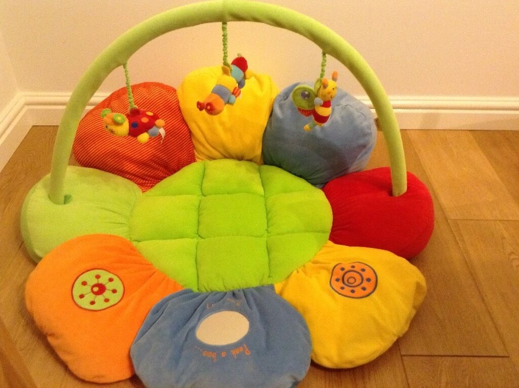 Mamas and Papas baby playmat and gym - LIKE NEW - with storage bag - £15.00