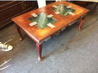 Display coffee table