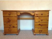 Pine kneehole dressing table/desk with 8 drawers