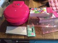 Pop cake maker and lots of accessories