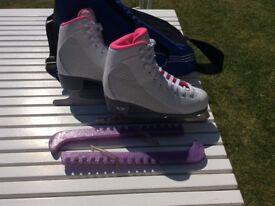 Girls Ice skates Size UK3
