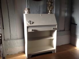 Cute shabby chic Bureau, cupboard, writing dregs lockable with key