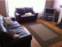 2 good-sized double rooms in friendly working house