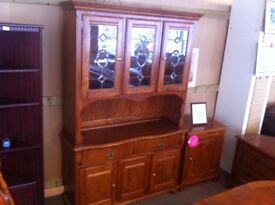 EXCELLENT CONDITION! Vintage Solid wood/ glass display storage unit