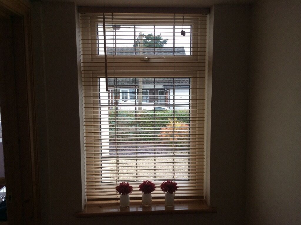 Wooden Mico (25mm) Blindsin Wickford, EssexGumtree - I have 4 wooden blinds with fittings at the follow size 60cm wide x 150cm drop and 1 blind at 105cm wide x 115cm drop. The slats are 25mm wide (2.5cm). They are used but in very good condition. Please note Photograph is of same make, but a different...