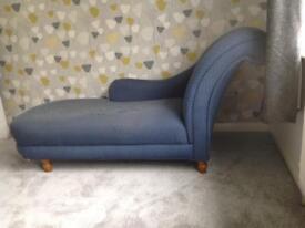 Chaise longue, blue
