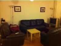 3 Bedrooms Flat in Queensway, W2 3LB (Students Accommodation for September 2016)