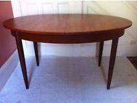 Elegant Vintage Oval Dining Table Recently Renovated