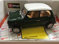 Mini Cooper 1960 1/16 Burago model car in green and White