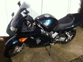 HONDA VFR 800F SPORTS TOURER, 2001, GREEN, JUST 18,000 MILES, NEW MOT Viewing Welcome-Open to Offer