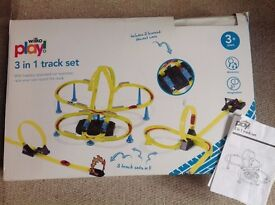 Car race track 3in1 inc instructions and 3 cars