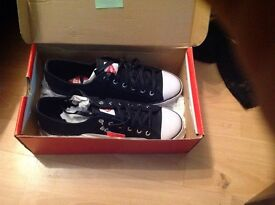 Lee cooper size 9 flat shoes