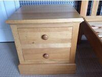 Oak bedside 2 drawer table