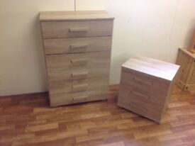 OAK CHEST OF DRAWERS AND BEDSIDE