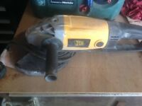 JCB 9 inch grinder