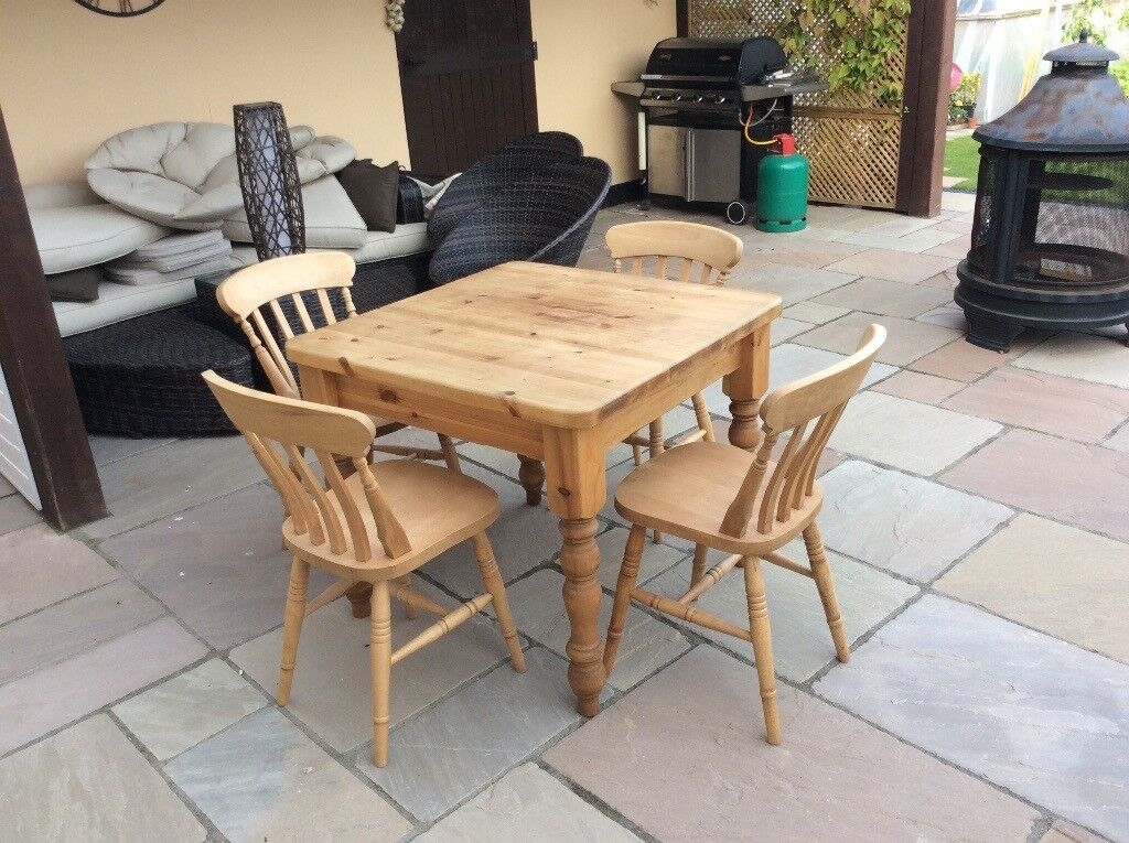 Solid Pine 3ft Square Kitchen Table With 4 Chairs As New