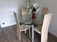 Beautiful extendable glass dining/kitchen table