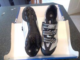 Crane cycling shoes