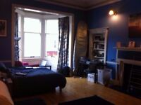 Large double room available in spacious 4 bed flat on Bruntsfield Place