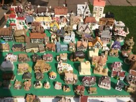 MODEL,HOUSES AND COTTAGES