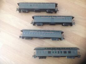 HO Gauge model train coaches, set of four by Roundhouse Models