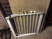 Adjustable stair gate