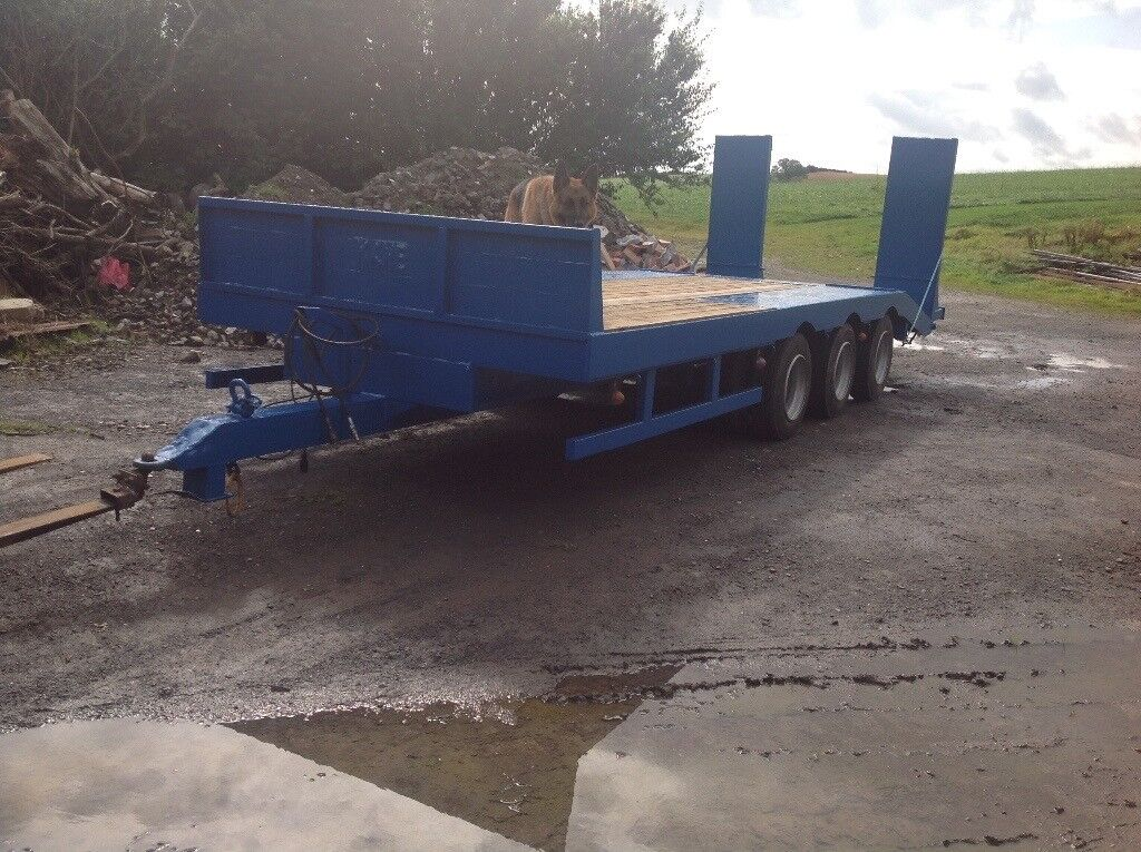 Kane 3 axle low loader trailer with hydraulic ramps