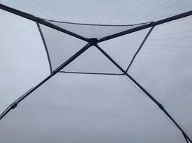 Pop up tent Gazebo Heavy duty roof bars and legs . Water proof and fire resistant walls.