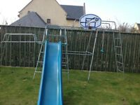 Tp climbing frame with slide & jungle run